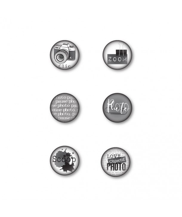"Badges ""Mise au point"" graffiti girl, thème photographie, pince note, combo noir, gris et blanc, assortis à la collection Mise a"
